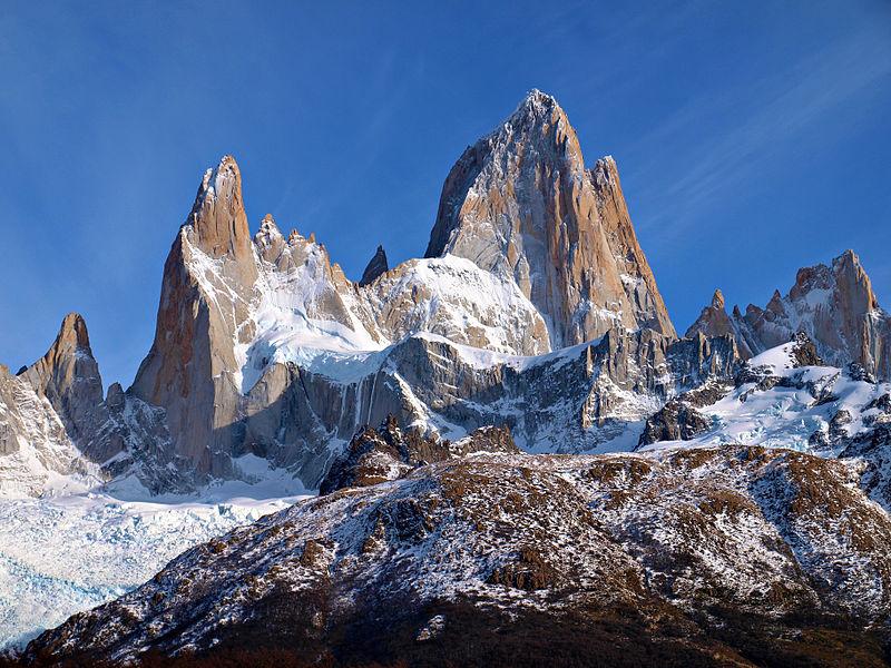 De omgeving van de Cerro Fitzroy, een berg op de grens tussen Chili en Argentinië, koelde tussen 1910 en 1980 af terwijl de rest van de wereld opwarmde. Wikimedia Commons/Todor Bozhinov