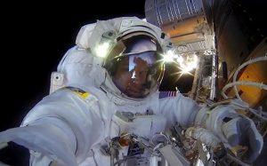 Opnamen van de GoPro. Bron: NASA/Terry Virts