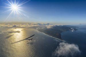 Solar Impulse 2 tijdens de vlucht van Hawaii naar Mo ffet op 21 april 2016. Bron: www.solarimpulse.com