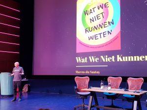 Gisteren presenteerde Marcus Du Sautoy zijn nieuwe boek. Hij had voor de gelegenheid speciaal zijn Heisenberg T-Shirt aangetrokken