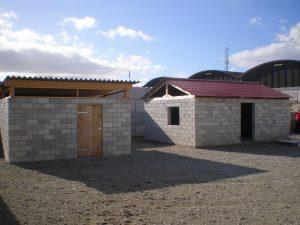 De tijdelijke noodwoningen geven mensen snel weer een dak boven hun hoofd. Bron: De Mobiele Fabriek