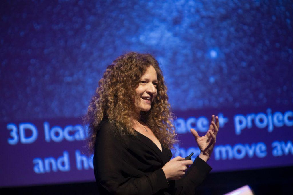 Amina Helmi op het Gala van de Sterrenkunde