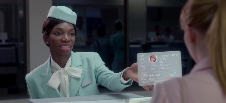 In de aflevering Nosedive van Black Mirror houdt een kredietsysteem alles in de gaten wat je doet.
