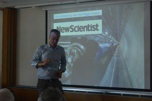 Deeltjesfysicus Ivo van Vulpen geeft college