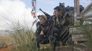 Tom Cruise en Emily Blunt in Edge of Tomorrow