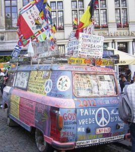 Flower-Power bus foto: Johannes Aubele (bron wikipedia)