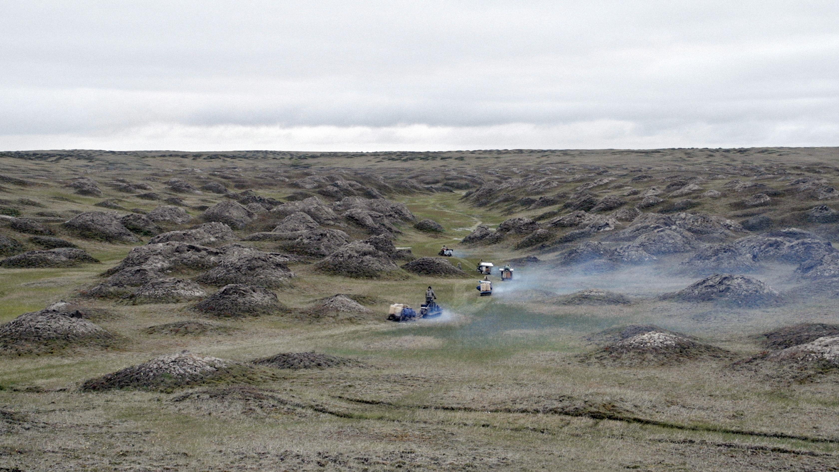Ivoorzoekers trotseren het barre landschap van de Nieuw-Siberische Eilanden. Beeld: Genesis 2.0