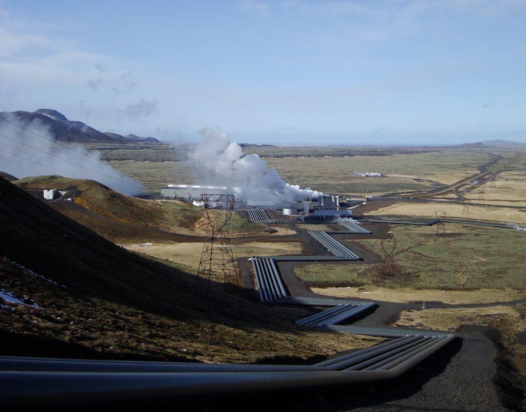 De basaltgrond onder Hellisheiði blijkt flinke hoeveelheden CO2 te kunnen bergen