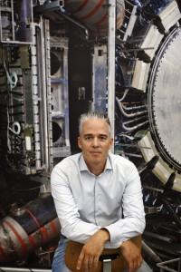 Deeltjesfysicus Ivo van Vulpen wil de wereld om hem heen begrijpen. Foto: Bob Bronshoff