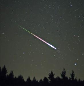 Een vallende ster van een andere meteorenzwerm, de Lyriden.<br />Wikimedia Commons/Navicore