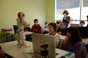 De NAO robot wordt nu al gebruikt op scholen. Foto: Stephen Chin