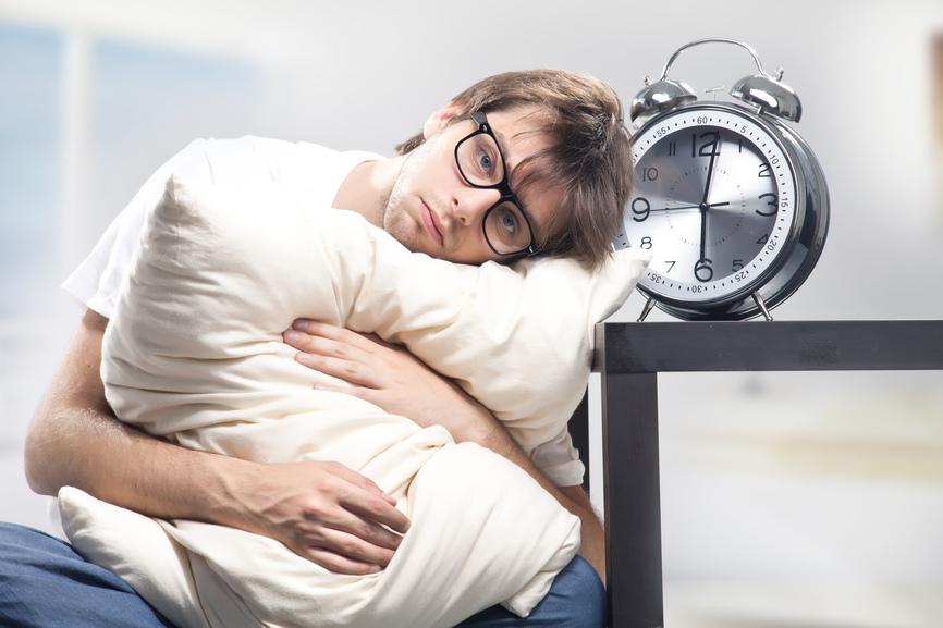 Een eigen kussen helpt bij slapen in een vreemde omgeving. - Flickr