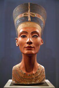 De buste van Nefertiti in het Egyptisch Museum in Berlijn. Foto: Giovanni