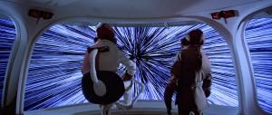 In Star Wars gebruiken de personages een andere manier om sneller dan het licht te vliegen: de zogeheten hyperruimte, een parallelle werkelijkheid waar de kosmische snelheidslimiet niet bestaat.