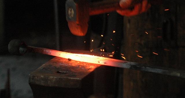 Oude egyptenaren smeedden sieraden van meteoriet new scientist - Smeden van ijzeren ...