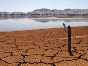 Steeds minder water wordt opgeslagen in waterreservoirs. Credit: Tim J. Keegan