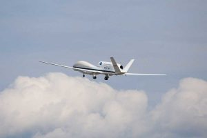 Deze drone dropt geen bommen maar meetkastjes voor weersvoorspelling. Foto: Nasa
