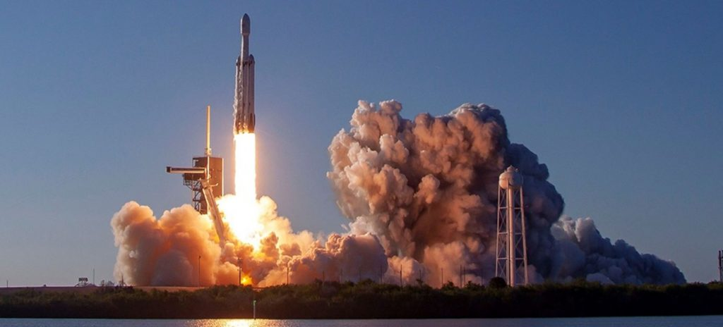 De Falcon Heavy van SpaceX is op dit moment de krachtigste raket. Foto: SpaceX
