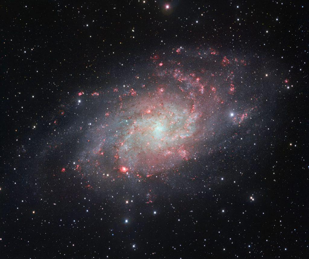 De tot nu toe meest gedetailleerde opname van sterrenstelsel Messier 33, oftewel het Driehoekstelsel. Credit: ESO.