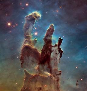 De nieuwe opname van de zuilen der Schepping. Bron: NASA/ESA