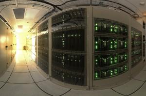 De huidige supercomputers passen helaas nog niet op je bureau. Bron: Wikimedia Commons