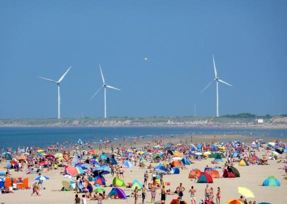 Waar anders vind je geluk dan aan de Zeeuwse kust? Foto: David van der Mark (creative commons via Flickr)